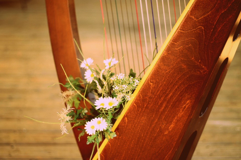 Typical Wedding Ceremony Songs: Traditional Wedding Ceremony Music
